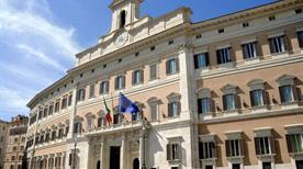 Palazzo di Montecitorio - >Rome