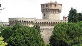Rocca Vecchia - >Volterra