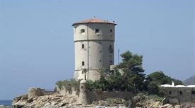 Torre di Campese - >Giglio Isola