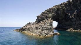 Cala Arco dell'Elefante - >Pantelleria