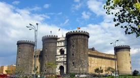 Castel Nuovo o Maschio Angioino - >Napoli