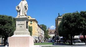 Monumento a Guido Monaco - >Arezzo