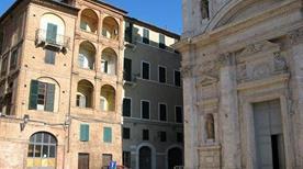 Piazza di Provenzano - >Siena