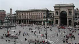 Piazza del Duomo - >Milano