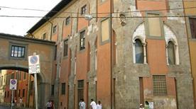 Palazzo delle Vedove - >Pisa