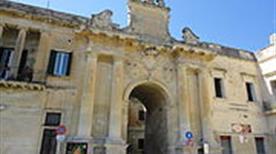 Porta San Biagio - >Lecce