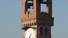 Torre delle Ore - >Lucca