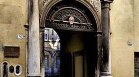 Palazzo Brancoli Busdraghi - >Lucca