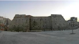 Castello Angioino - >Mola di Bari