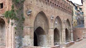 Fonte Branda - >Siena