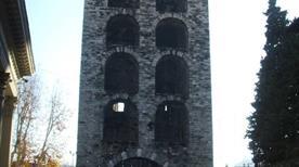 Torre Medievale - >Como