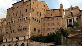 Palazzo degli Anziani - >Ancona