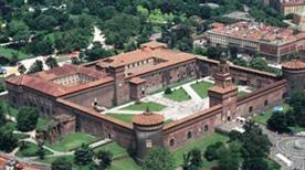 Castello Sforzesco - >Milano