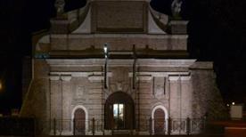 Porta San Francesco - >Parma