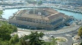 Mole Vanvitelliana - >Ancona