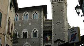 Palazzo dei Priori - >Piombino