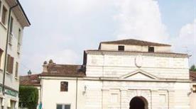Porta Giulia Cittadella - >Mantova