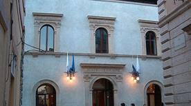 Teatro Piermarini - >Foligno