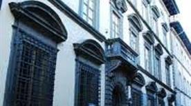 Palazzo Mazzarosa - >Lucca