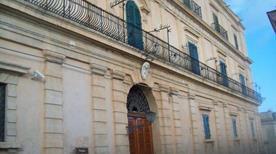 Palazzo Impellizzeri - >Noto