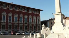 Piazza Aranci - >Massa