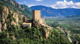 Castello Casanova o Maultasch Diroccato - >Terlano