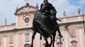 Palazzo del Governatore - >Piacenza