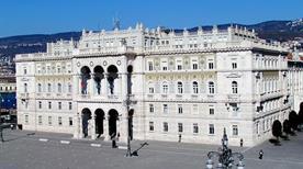 Palazzo del Governo - >Trieste