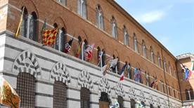 Palazzo Arcivescovile - >Siena