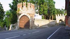 Castello Trecchi - >Maleo