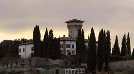 Castello di Vicchiomaggio - >Greve in Chianti