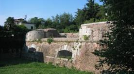 Baluardo Santa Croce - >Lucca