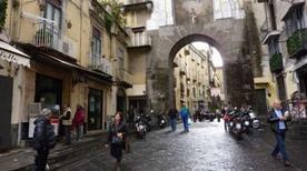Porta San Gennaro - >Napoli