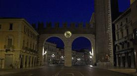 Portoni della Bra' - >Verona