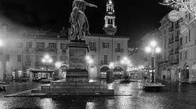 Piazza Mazzini - >Casale Monferrato