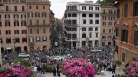 Via dei Condotti - >Rome