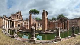Villa Adriana: Peristilio Detto Cortile delle Biblioteche - >Tivoli