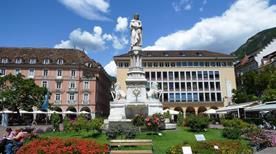 Monumento a Walther Von Der Vogelweide - >Bolzano