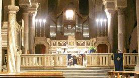 Chiesa di San Pietro Apostolo - >Minturno