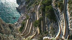 Spiaggia dell'Arsenale - >Capri