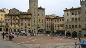 Piazza Grande - >Arezzo