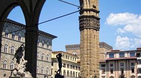 Loggia dei Lanzi - >Firenze