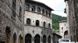 Casa Capit.del Popolo XIII sec - >Gubbio