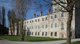 Palazzo San Giacomo Xii Sec. - >Russi