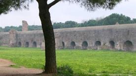 Parco degli Acquedotti - >Rome