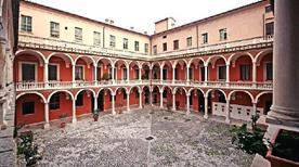Palazzo Ducale - >Massa