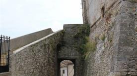 Castello Montazzoli - >Montazzoli