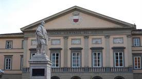 Teatro del Giglio - >Lucca