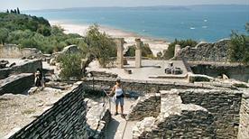 Grotte di Catullo - >Sirmione