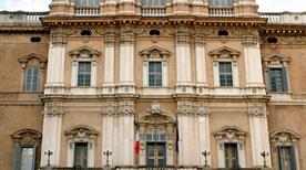 Palazzo Ducale - >Modena
